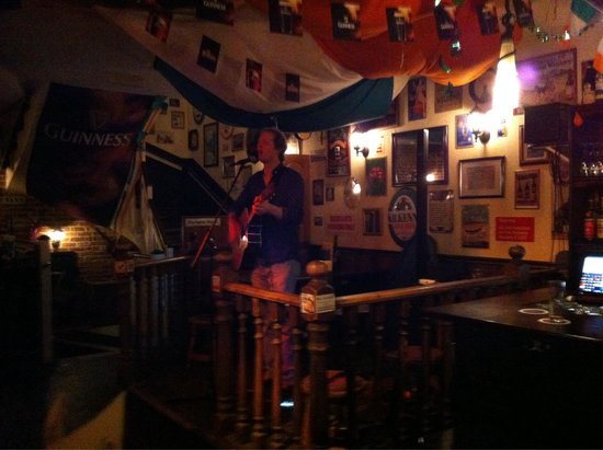 The Irish Pub Fiddler's Green: Live show