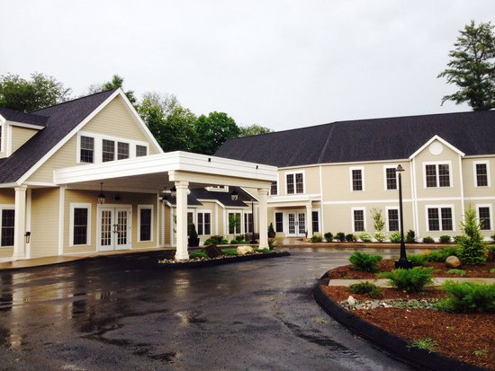 506 On The River Inn: Front view of the Inn