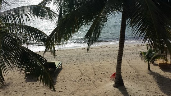 Robert's Grove Beach Resort: View from our veranda - Ocean side