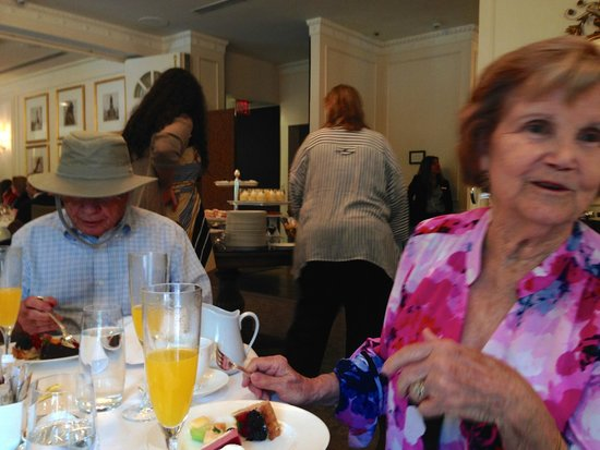 The Hay-Adams: Lafayette Brunch w/Parents