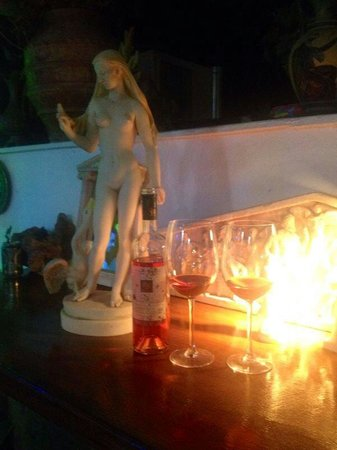 Mythos All Day Restaurant: Zeus verführt als Schwan Leda