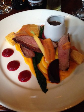 Thyme Restaurant: Pan fried Duck - Main course, i cleared the plate.