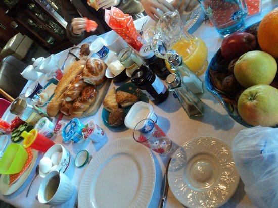 Yavne'el B & B: Breakfast