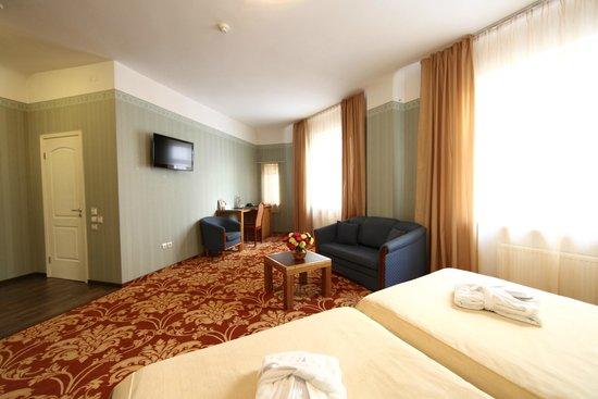 City Hotel Teater: Comfort room