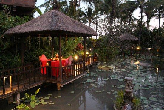 Hotel Tugu Bali: Lotus Pont
