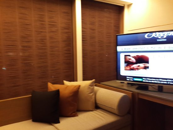 Regent Taipei : Room 1702, suite