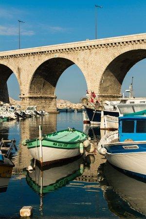 L'Epuisette: Le port du Vallon des Auffes