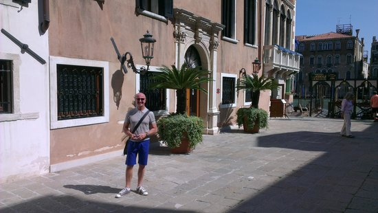 The Gritti Palace, A Luxury Collection Hotel: Outside on the street entrance