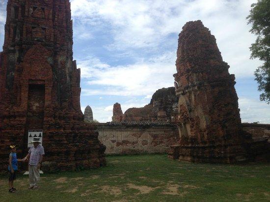 Wat Mahathat : ワット・プラ・マハタート