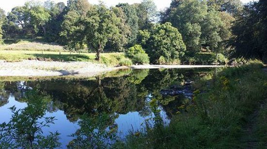 Friars Carse Country House Hotel: The River Nith from Friars Carse.