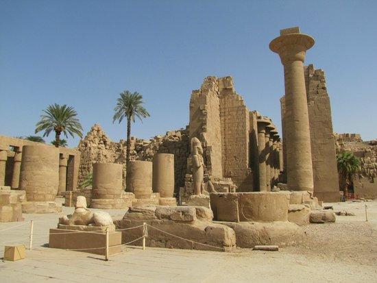 Temple of Karnak: Templo de Karnak de dia