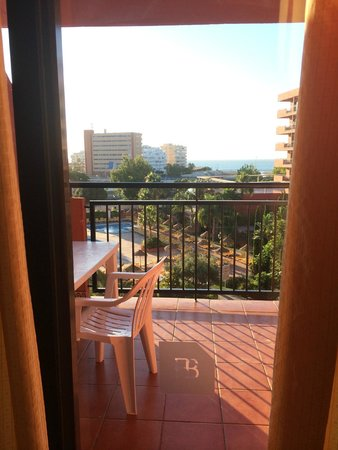 Fuengirola Beach Aparthotel: View from our room on the 3rd floor
