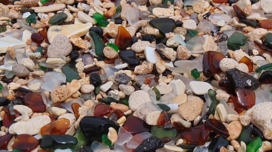 Grotto Bay Beach Resort & Spa : another picture of sea glass