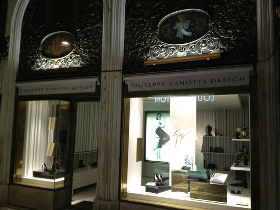 Hotel Firenze : Giuseppe Zanotti Store on the front of the hotel building