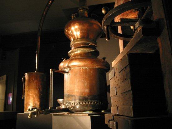 La Citadelle de Besançon : L'alambic magique (musée comtois)