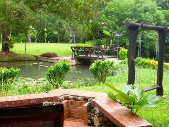 Royal Bella Vista Country Club at Chiang Mai: Around the villa 2