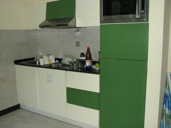 Marina View Hotel Apartments: kitchen