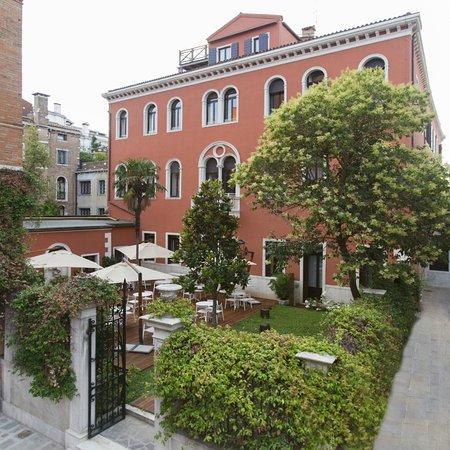 NH Collection Venezia Palazzo Barocci: Private Garden