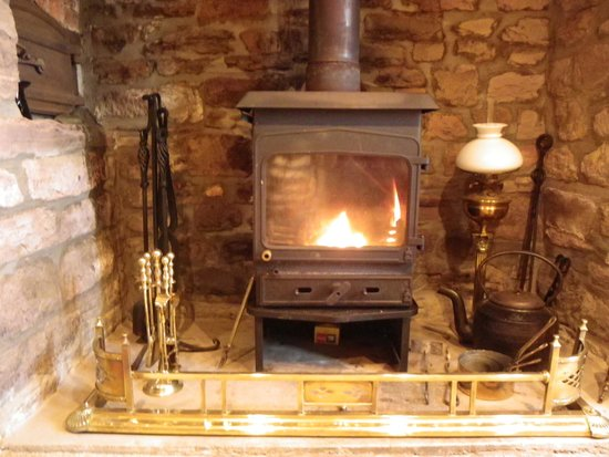 Headgate Farm Bed & Breakfast: Cosy log fire in winter