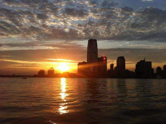 Bateaux New York: Magnifique couché de soleil