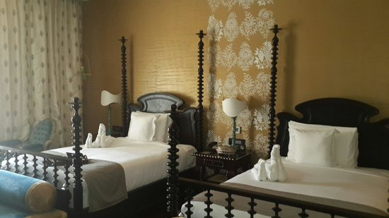 Fairmont Jaipur: The gold room