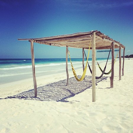 Ahau Tulum: Hammocks along the beach