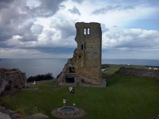 Scarborough Castle: The ruined keep