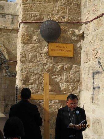 Via Dolorosa (Voie Douloureuse) : our chaplain leading the opening prayer