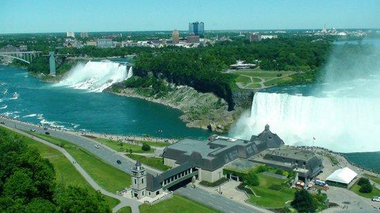 Niagara Falls Marriott Fallsview Hotel & Spa : Marriott Fallsview - Utsikt från rummet