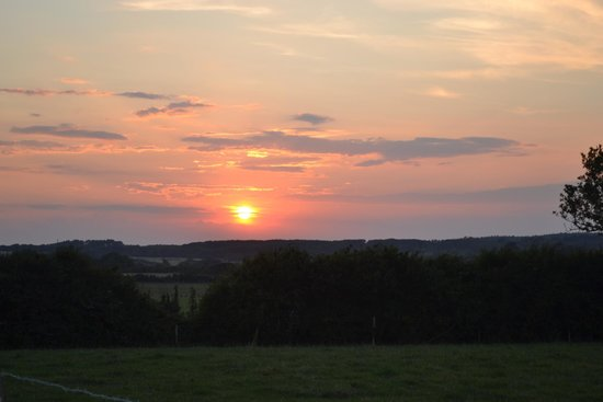 The Orchards Holiday Caravan and Camping Park: Sunset over The Orchard