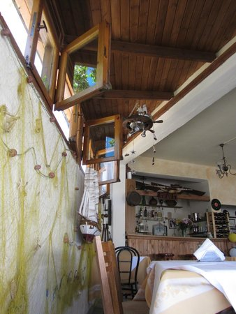 Mam's House Restaurant : Внутри ресторана