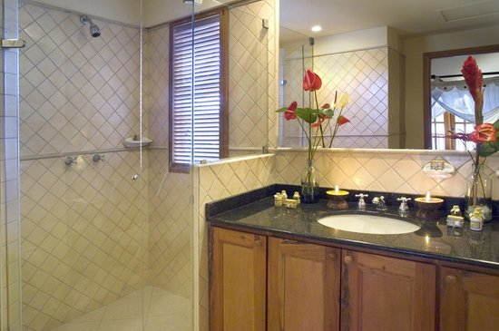Antigua Yacht Club Marina Resort: Sea View Studio Bathroom