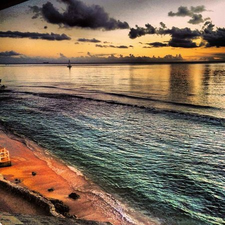 The Club, Barbados Resort and Spa: Sunday sunset - view from our room