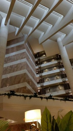 Sheraton Dubai Creek Hotel & Towers: A view from the Lobby Cafe