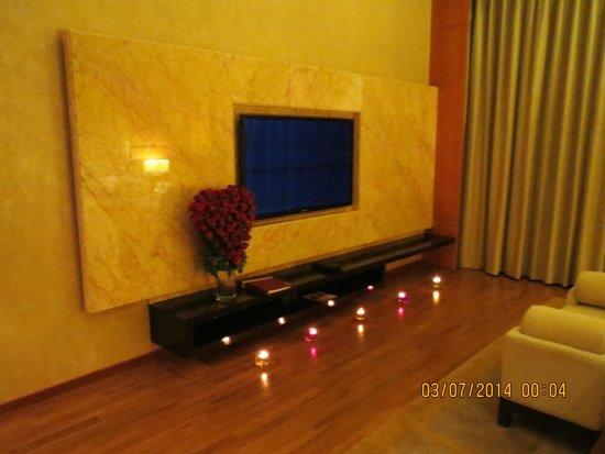 Movenpick Hotel & Spa Bangalore: Candle light