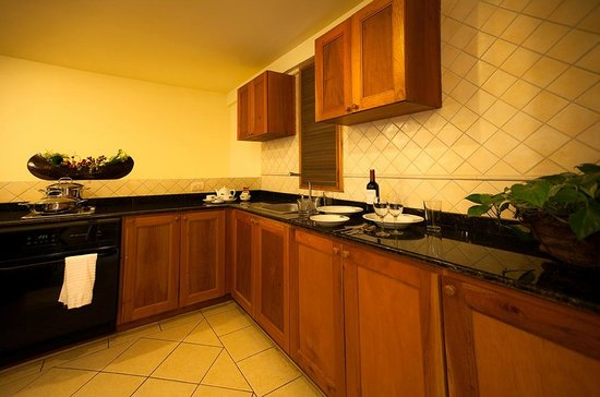 Antigua Yacht Club Marina Resort: One Bedroom Suite Kitchen