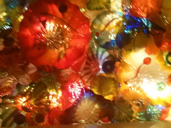 Chihuly Collection: Amazing ceiling!