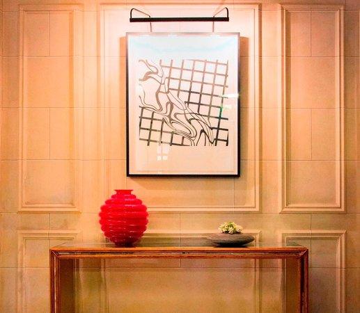 Eliot Hotel: Lobby Detail