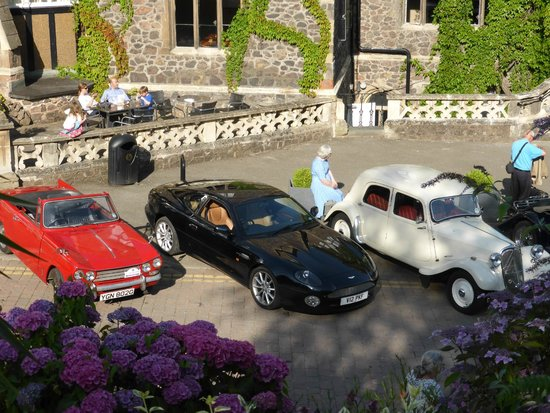 The Abbey Hotel: Car Club's arrival at the hotel