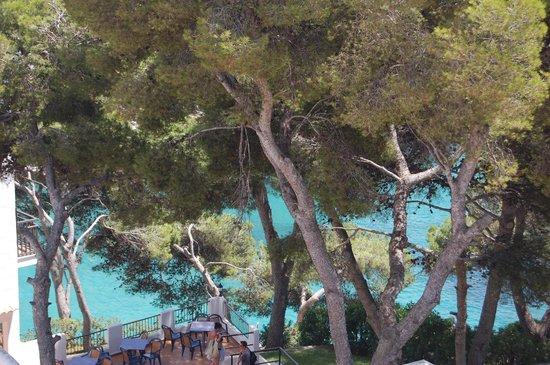 Barcelo Ponent Playa : Desde las habitaciones se ve la cala o la piscina