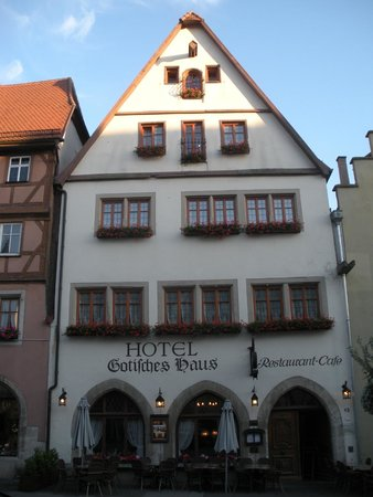 Hotel Gotisches Haus : Outside of the Hotel