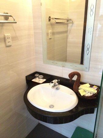 Than Thien Hotel - Friendly Hotel : tout le nécessaire de toilettes