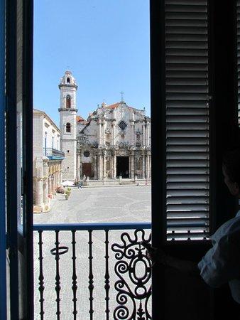 Plaza de la Catedral: Vista da Catedral a partir do Museu Del Conde de La Bayona