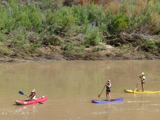 Scenic Byway of Highway 128: Friendly people on the Colorado River