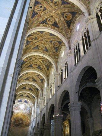 Lucca's Duomo (Cattedrale di San Martino): La navata centrale