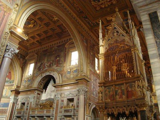 Arcibasilica di San Giovanni in Laterano: неф
