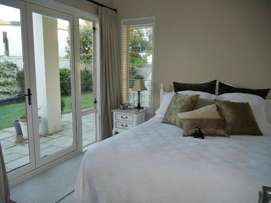 Casa del Mare Boutique Bed & Breakfast: Paris room at Casa del Mare