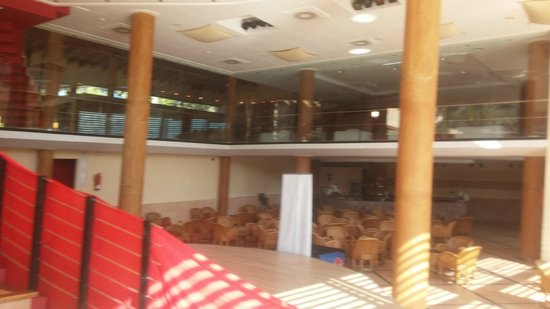 Illot Park Hotel: Innenraum des Kinderbereichs - Richtung Rezeption