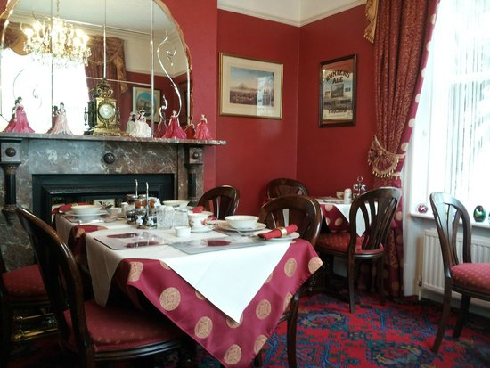 Barbican House: The lovely breakfast room