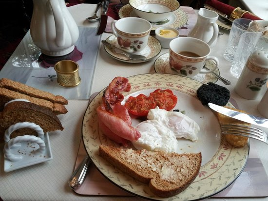 Barbican House: Great variety for breakfast